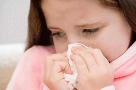 Các việc cha mẹ cần làm lúc trẻ mắc hội chứng viêm họng